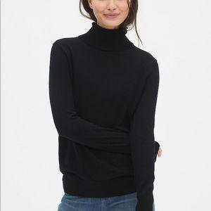 GAP Classic Black Turtleneck Lightweight Sweater
